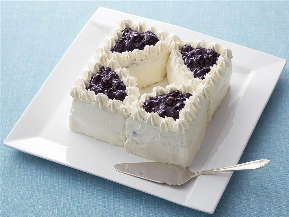 写真:ブルーベリーとマスカルポーネのケーキ