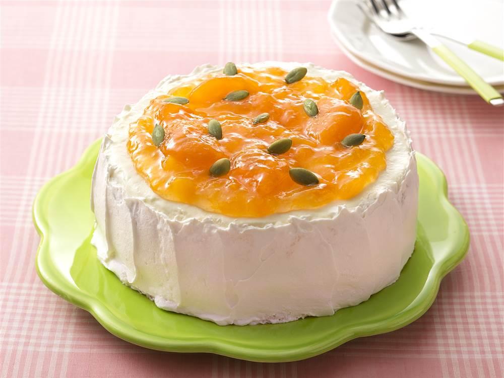写真:あんずとホワイトチョコレートのケーキ