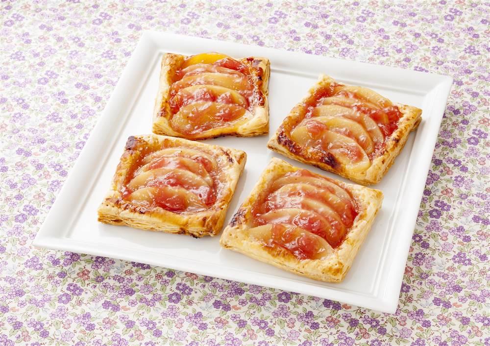 写真:白桃とピーチ・メルバのパイ