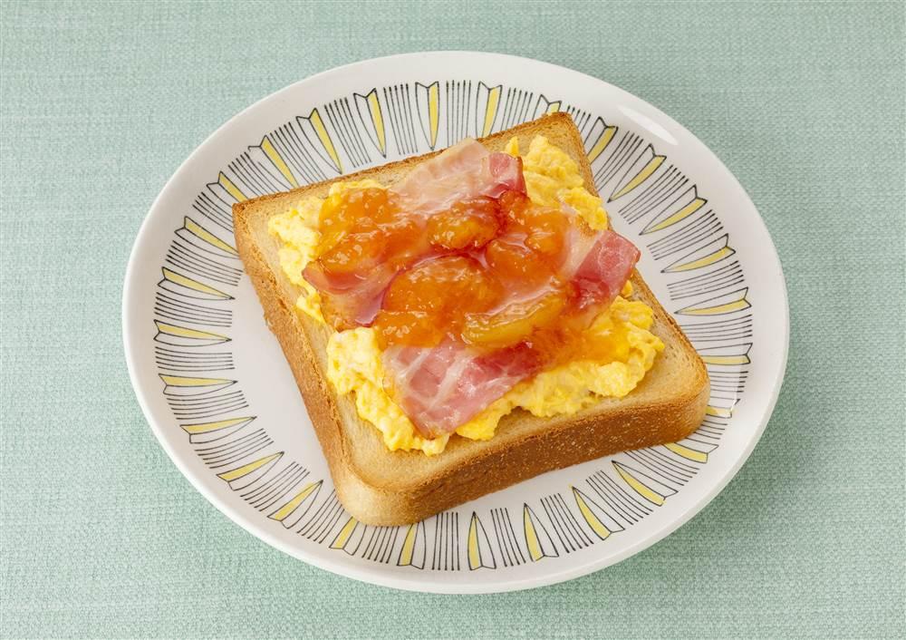 写真:アンズベーコンエッグトースト