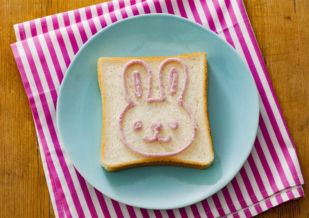 写真:お絵かきパン うさぎ
