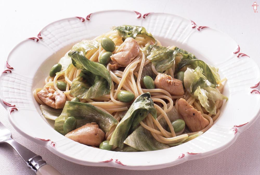 写真:レタスたっぷり枝豆と鶏肉のスパゲッティ