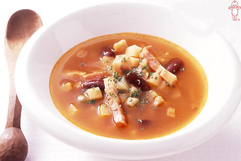 写真:コロコロポテトとお豆のミネストローネ