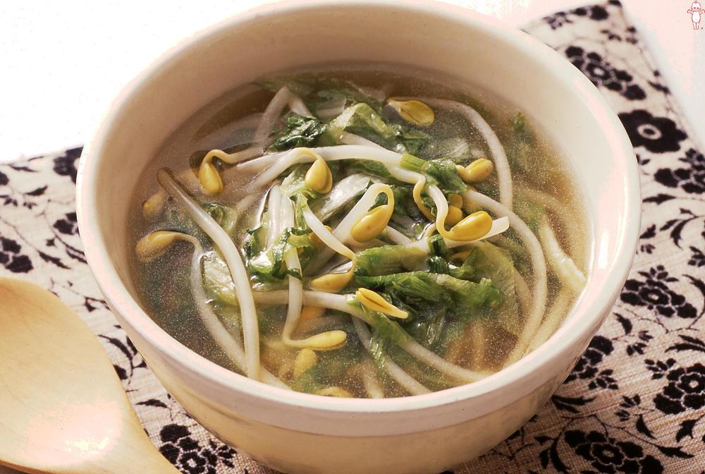写真:レタスと大豆もやしのシャキシャキ和風スープ