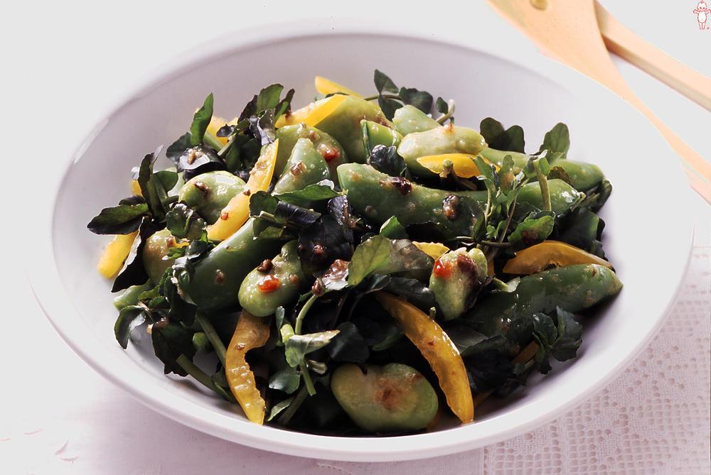 写真:緑の豆野菜とクレソンのサラダ