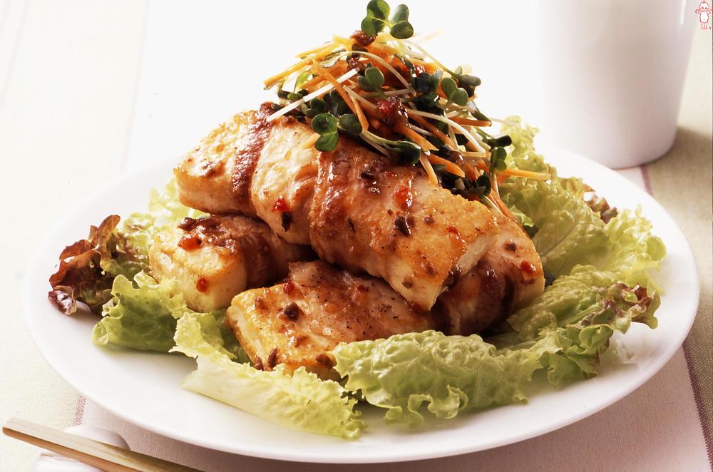 写真:豚ばら巻き豆腐のサラダ