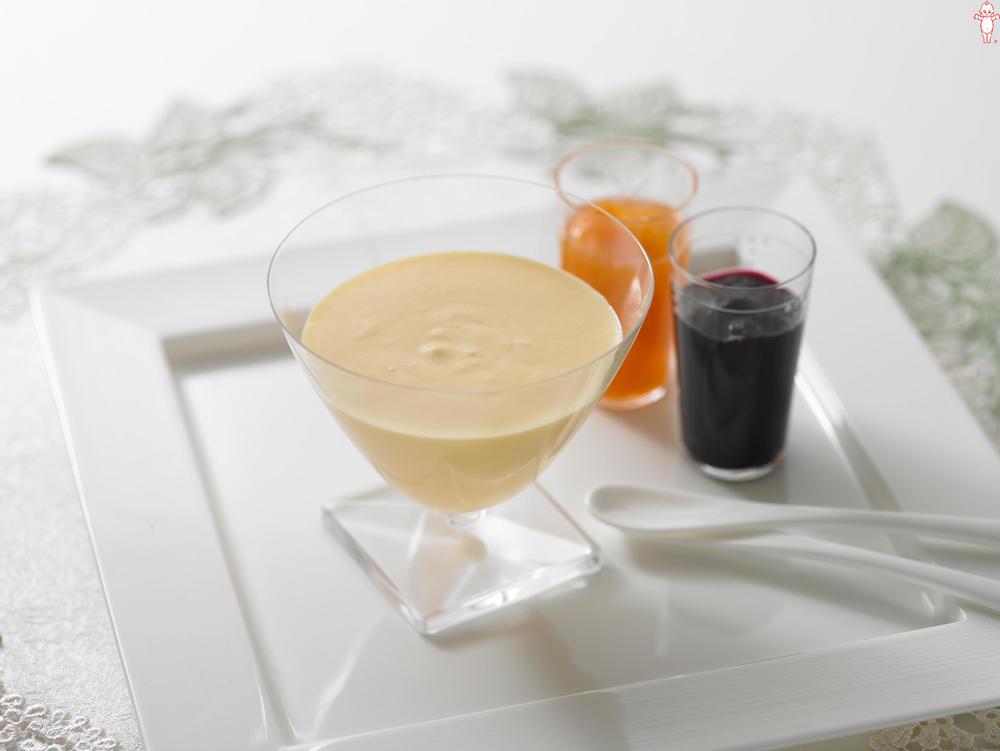 写真:ザバイオーネ 2種のまるごと果実添え