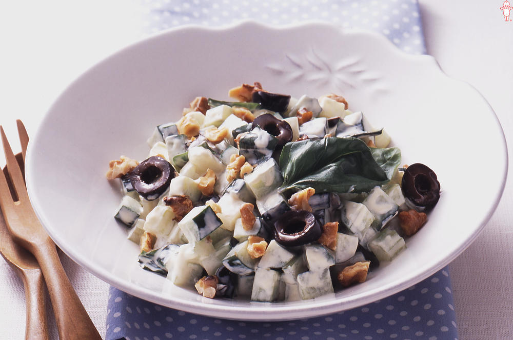 写真:コロコロ夏野菜のバジルサラダ