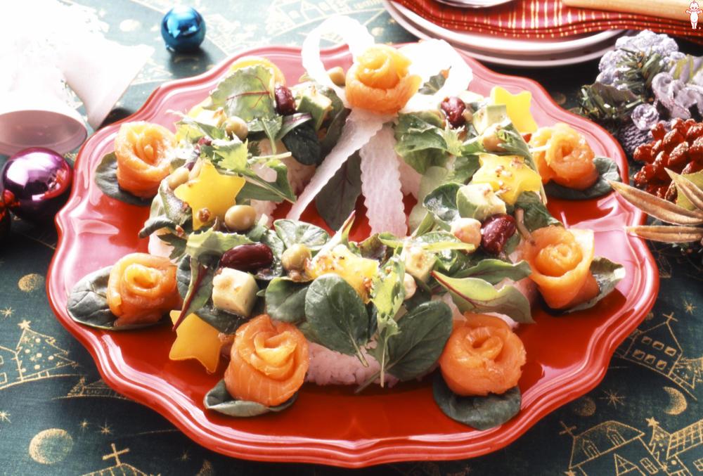 写真:クリスマスリースのサラダごはん