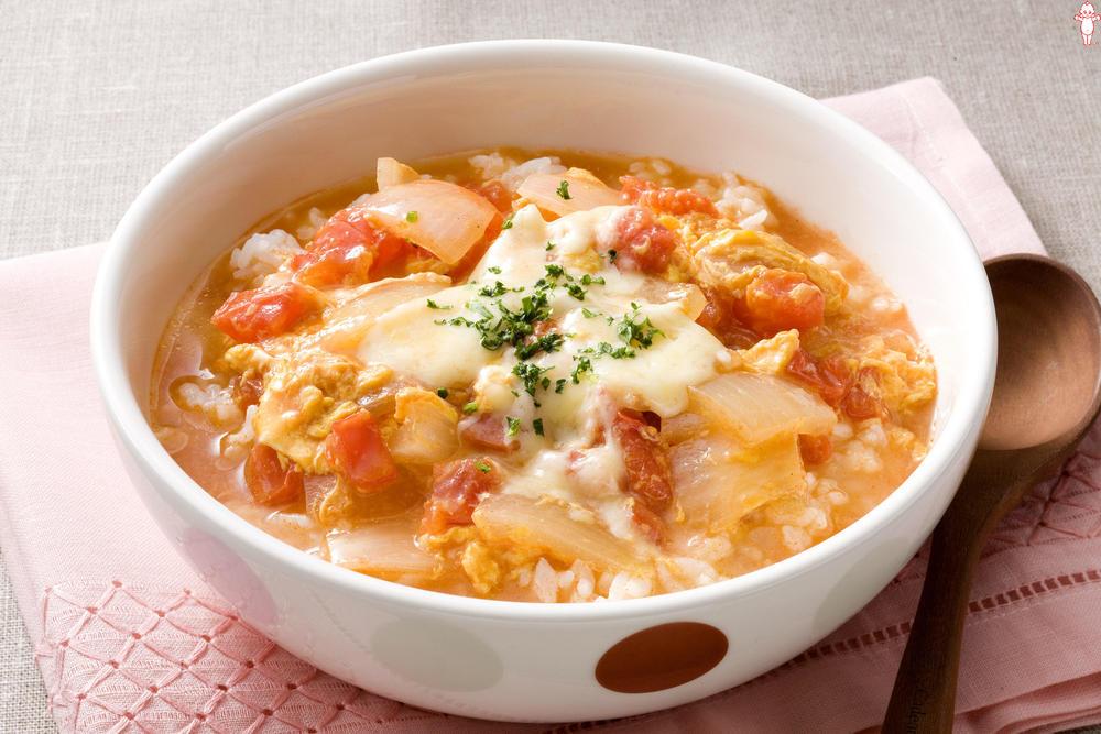 写真:トマトと卵のスープごはん