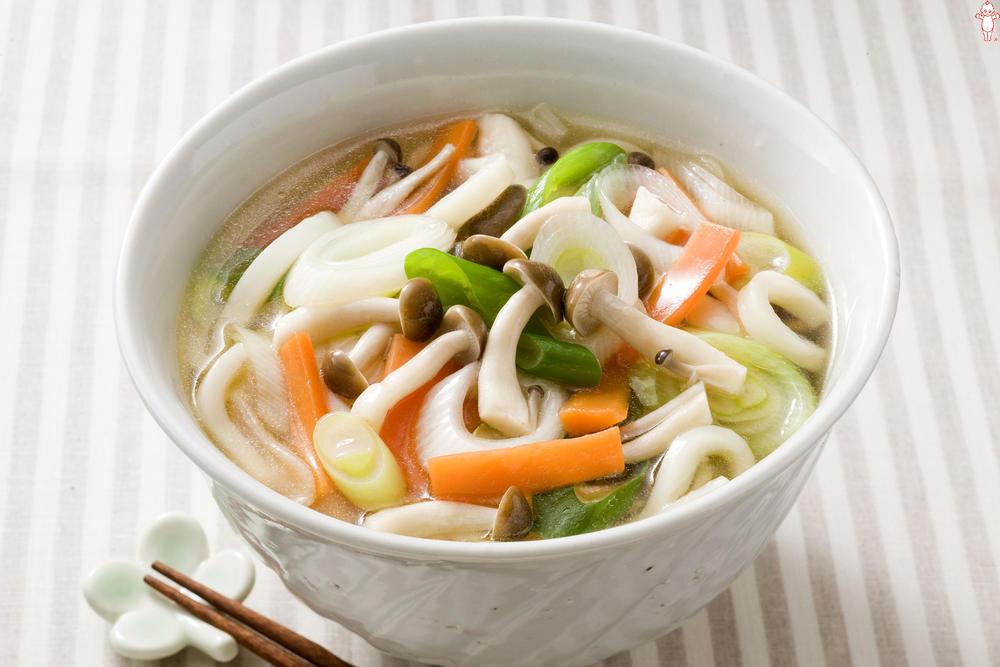 写真:野菜たっぷり温うどん