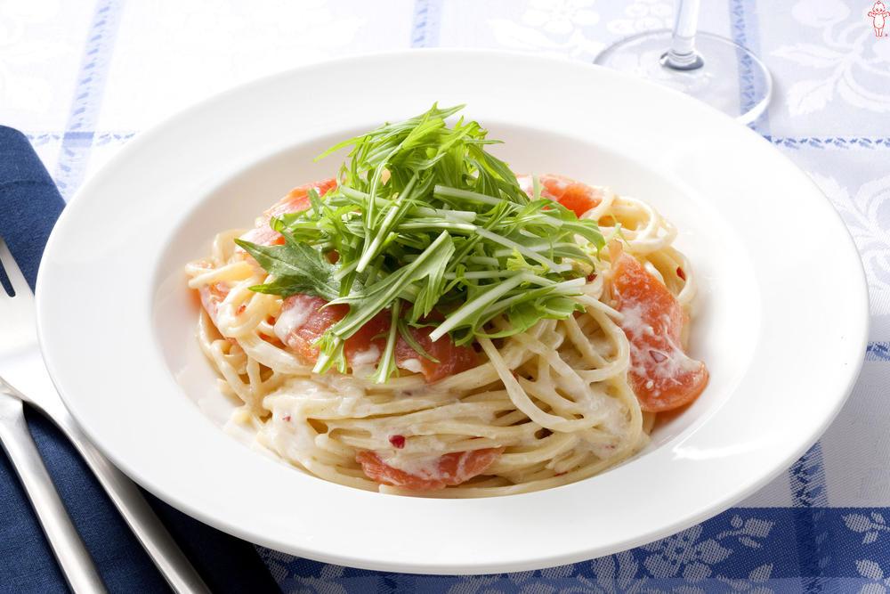 写真:水菜とスモークサーモンのスパゲッティ