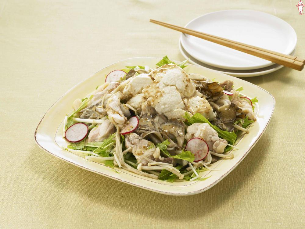 写真:レンジでかんたん!まいたけと鶏肉とくずし豆腐の蒸しサラダ