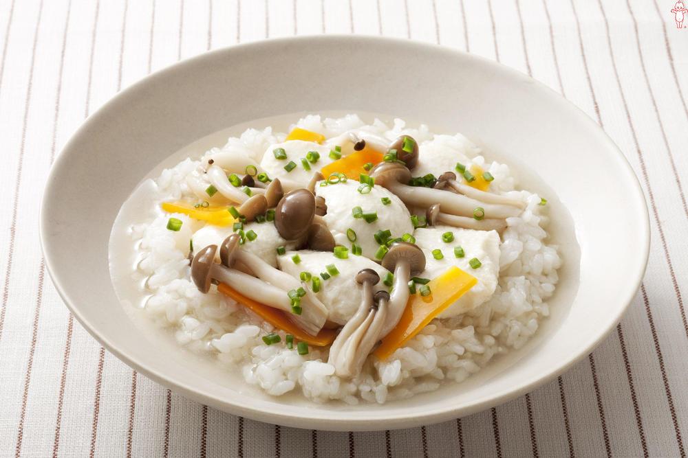 写真:きのこと豆腐のスープごはん