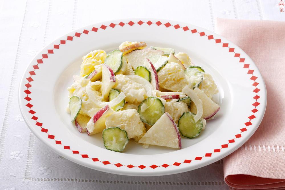 写真:りんご入りポテトサラダ
