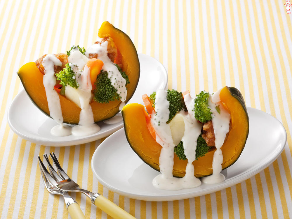 写真:かぼちゃのボートサラダ