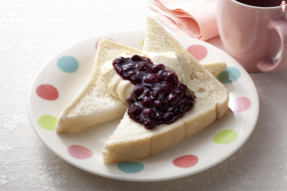写真:ホットクリームチーズのジャムパン