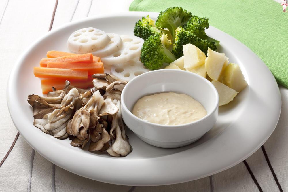 写真:レンジでかんたん!季節の野菜の蒸しサラダ