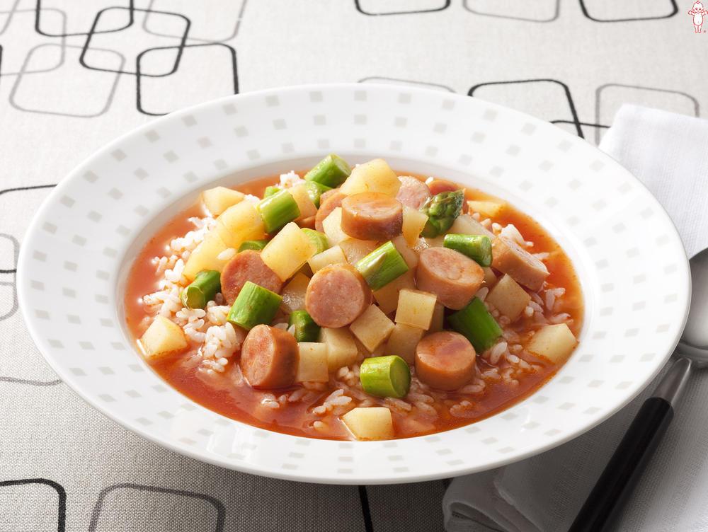 写真:アスパラとソーセージのスープごはん