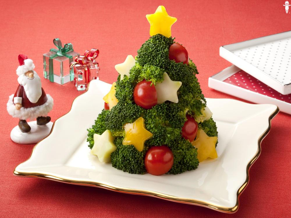 写真:ブロッコリーのカラフルツリーサラダ