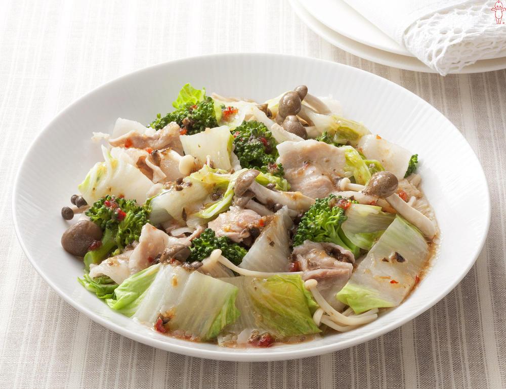 写真:レンジでかんたん!季節の野菜ときのこの蒸しサラダ