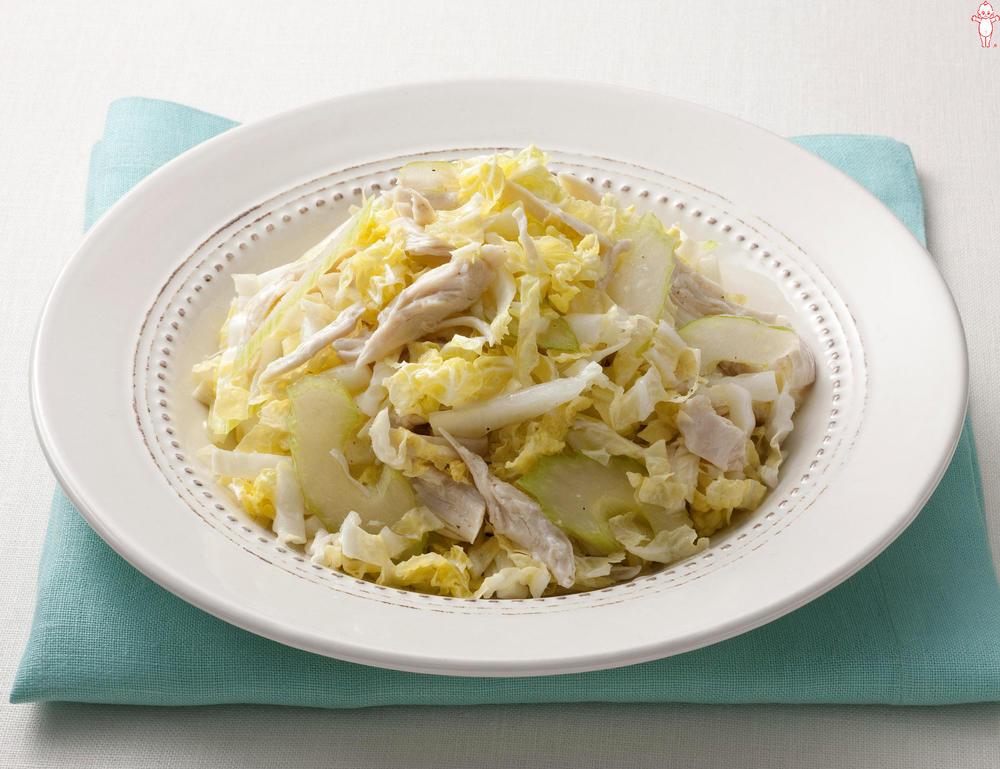 写真:生白菜とセロリのサラダ