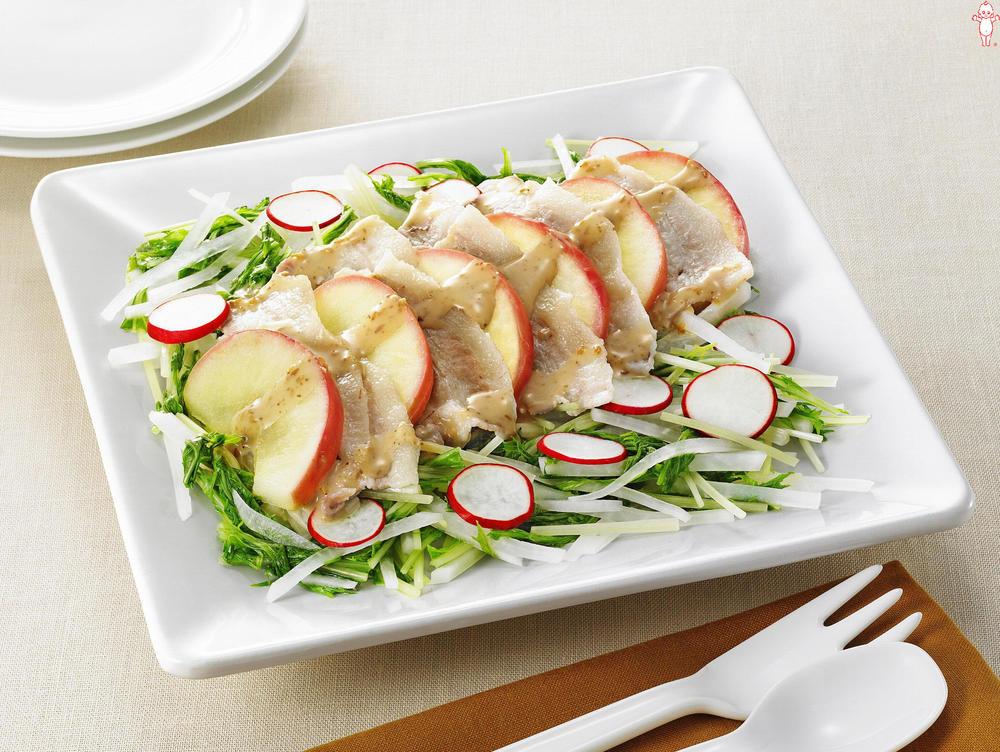 写真:レンジでかんたん!りんごと豚肉と水菜の蒸しサラダ