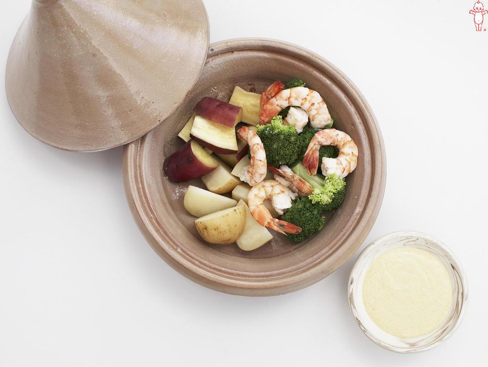 写真:えびとさつまいもの蒸しサラダ カレーマヨディップ