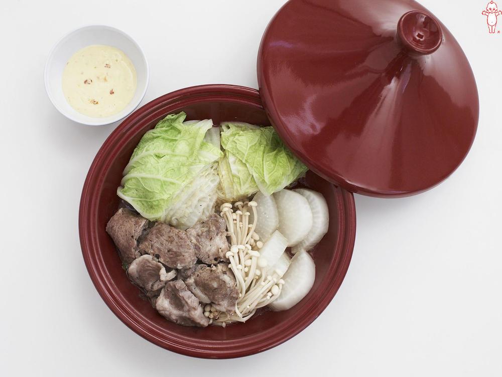 写真:豚肉と白菜の蒸しサラダ チリマヨディップ