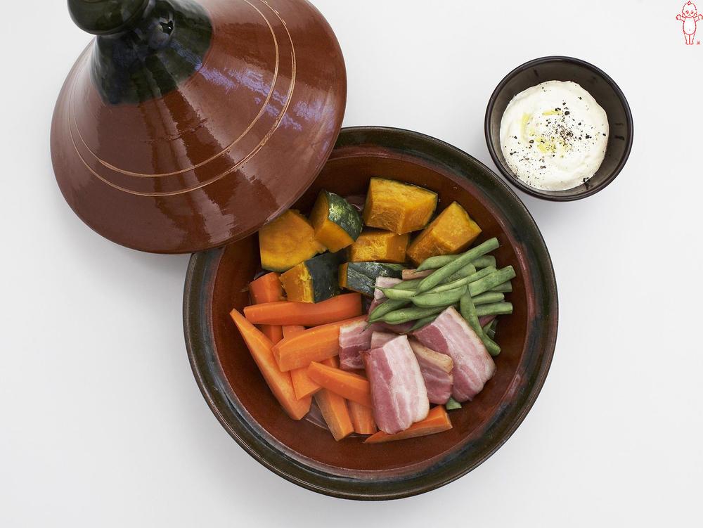 写真:かぼちゃとベーコンの蒸しサラダ 豆腐マヨディップ