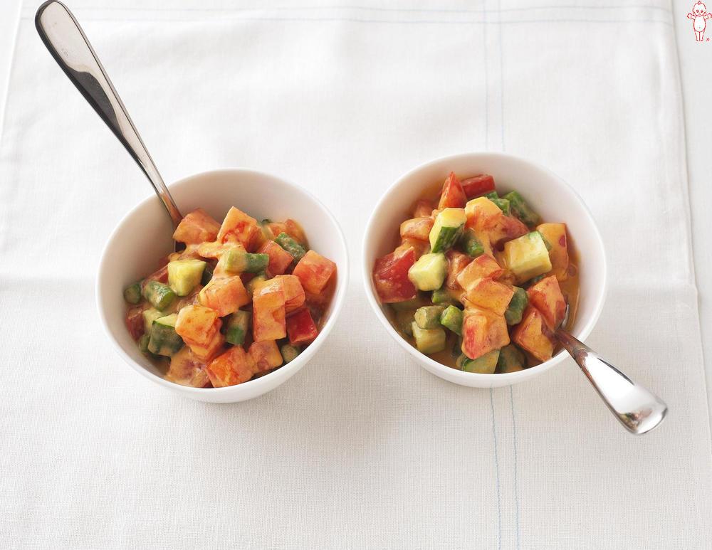 写真:コロコロ野菜のスプーンサラダ