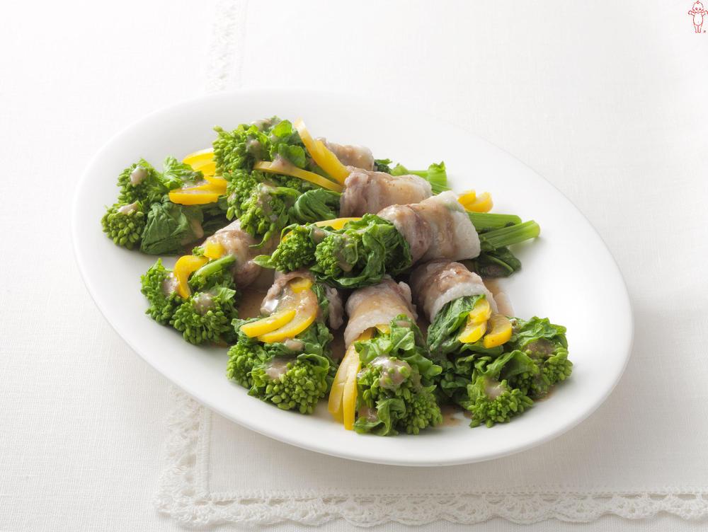 写真:レンジでかんたん!菜の花と黄パプリカの豚肉巻きサラダ