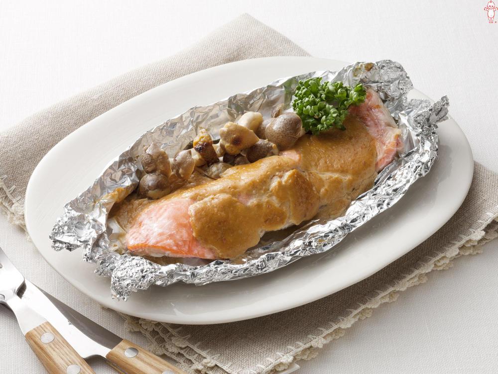 写真:オーブントースターでかんたん!鮭のみそマヨホイル包み焼き