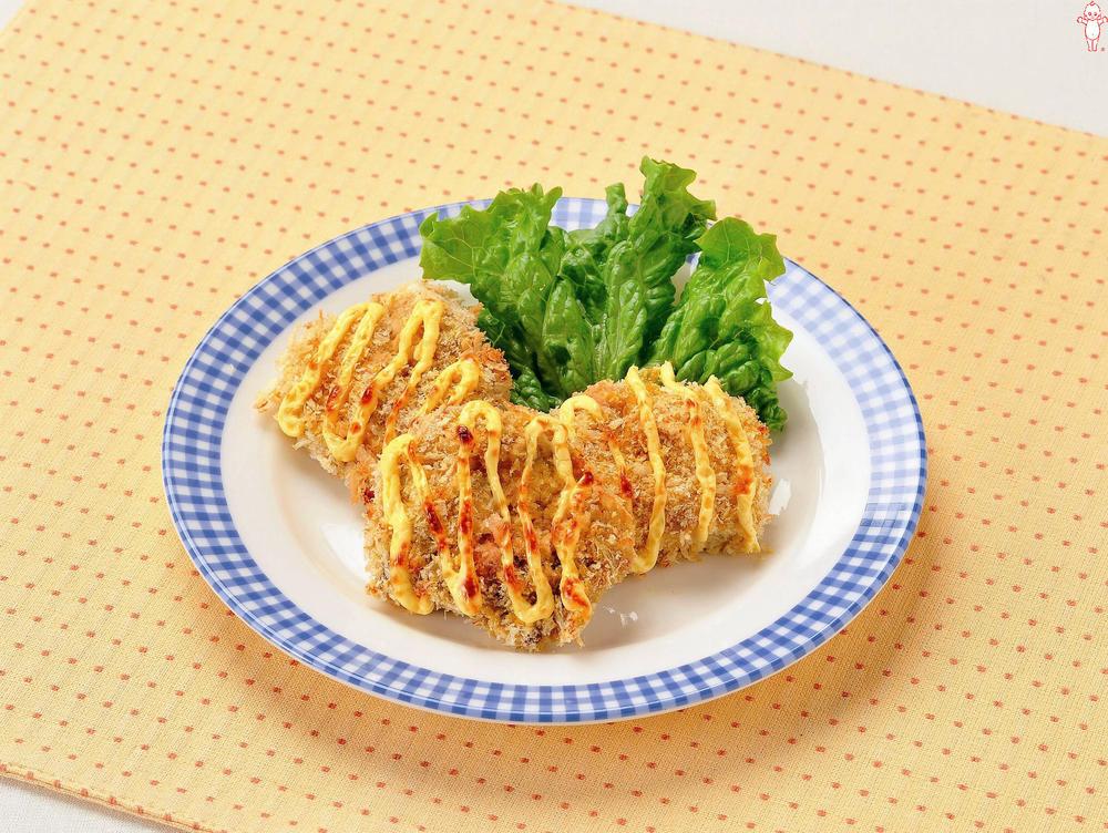 写真:鶏肉のパン粉焼き