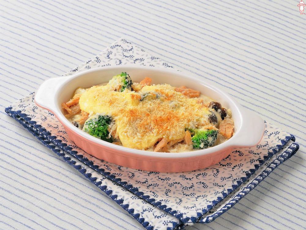 写真:豆腐ソースのマヨグラタン