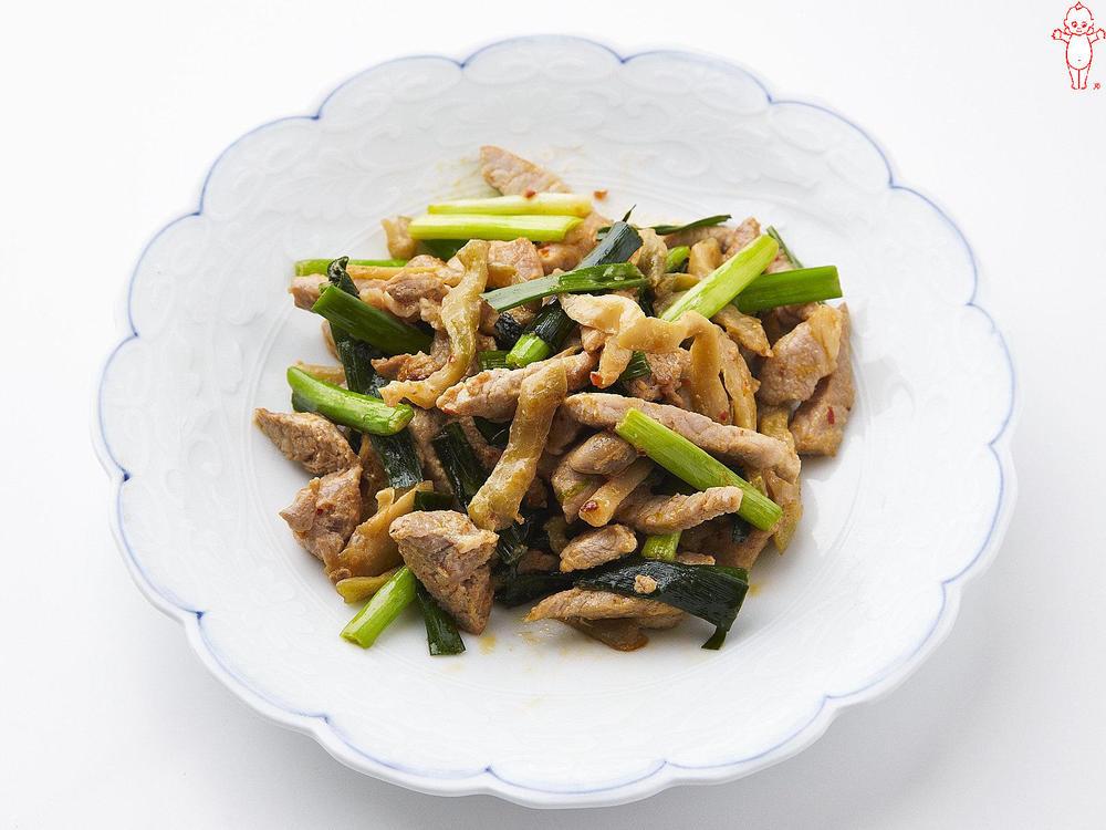 写真:ザーサイと豚肉のピリ辛マヨ炒め
