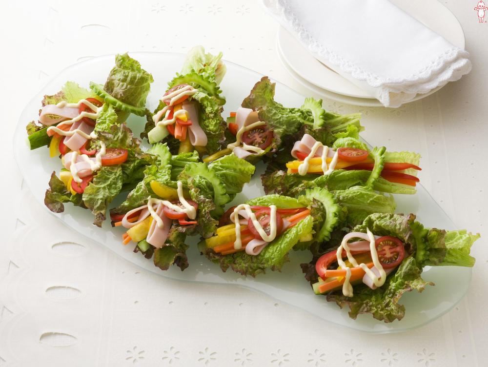 写真:八菜巻きサラダ
