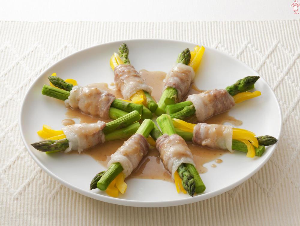 写真:レンジでかんたん!アスパラガスと黄パプリカの豚肉巻きサラダ