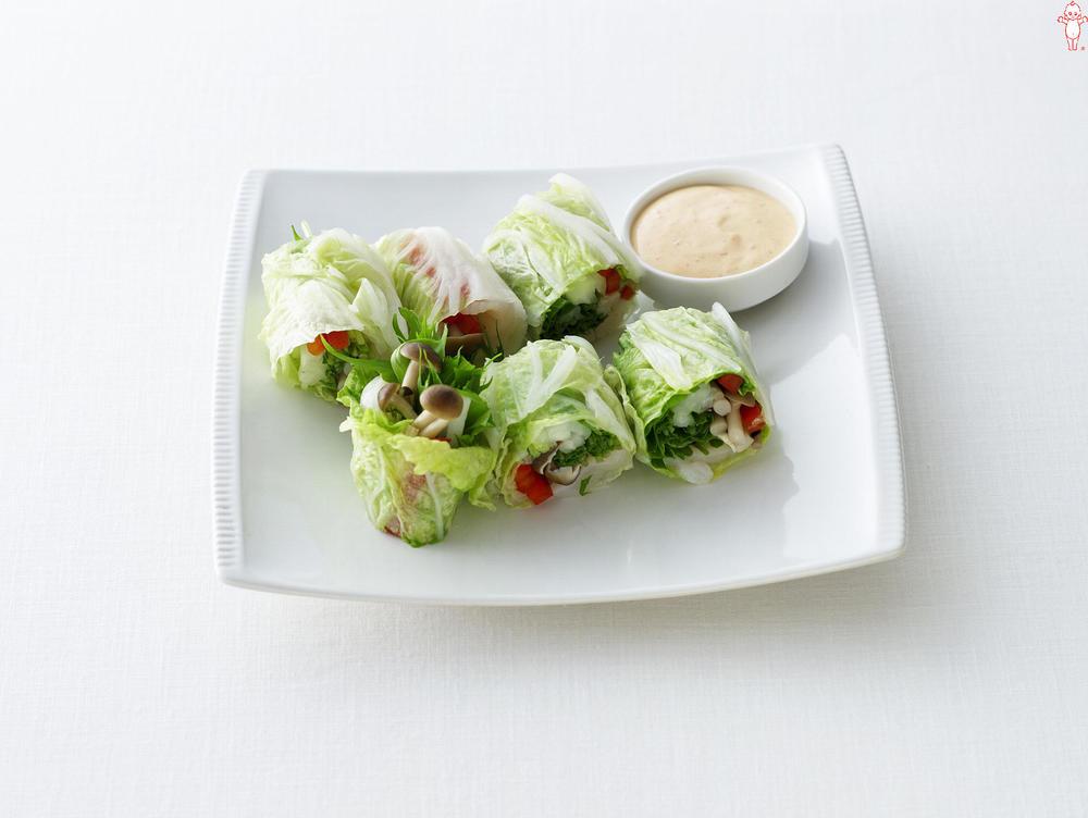 写真:水菜とほたての白菜巻きサラダ ピリ辛マヨソース