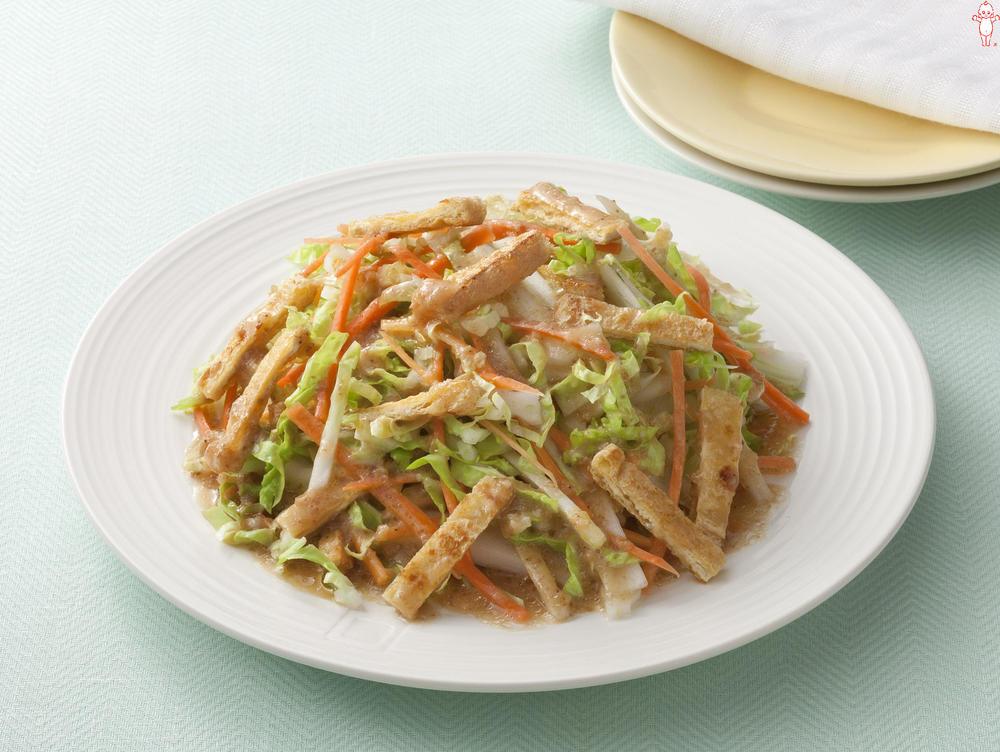写真:白菜と油揚げのサラダ