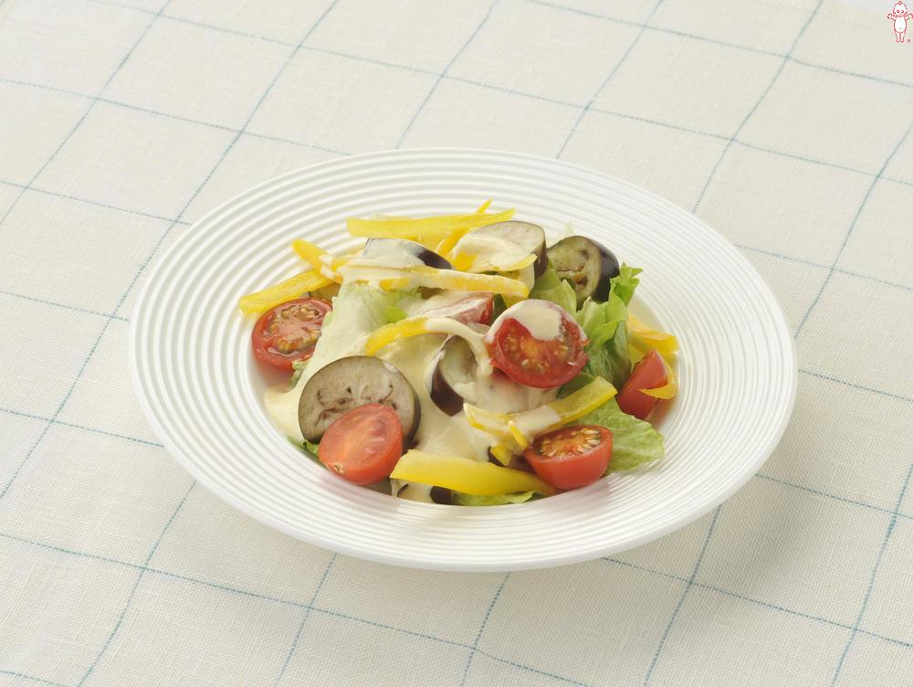写真:夏野菜のシーザーサラダ