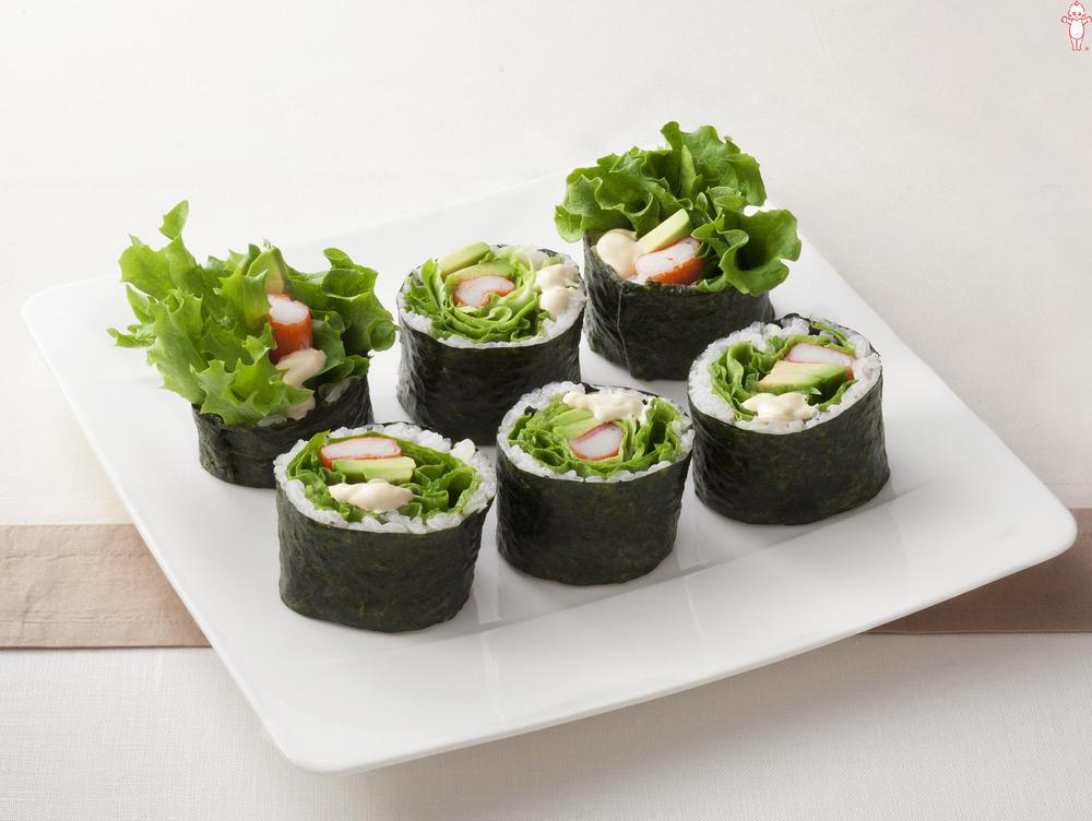 写真:アボカドとかにかまののり巻きサラダ