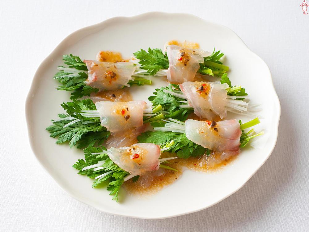 写真:春菊と白髪ねぎの鯛巻きサラダ