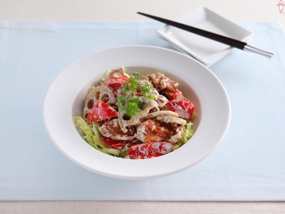写真:野菜と鶏から揚げのマヨ和え