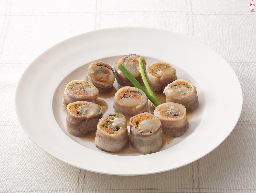 写真:レンジでかんたん!にんじんと小ねぎの豚肉巻きサラダ