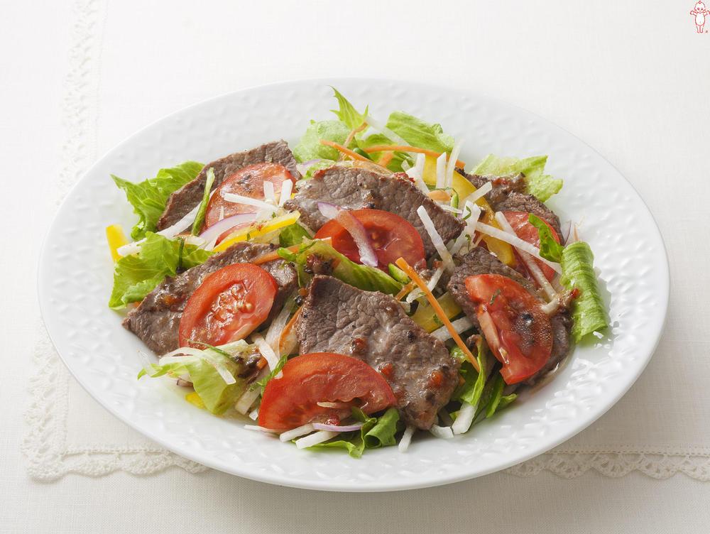 写真:カット野菜で焼肉サラダ