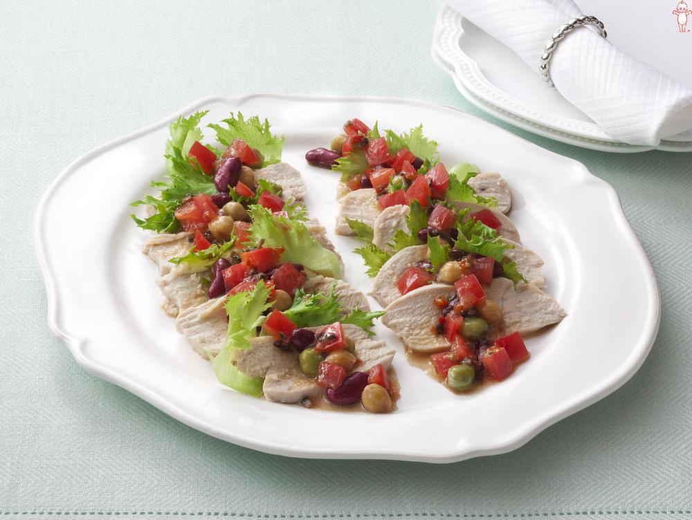 写真:蒸し鶏とトマトのオードブルサラダ