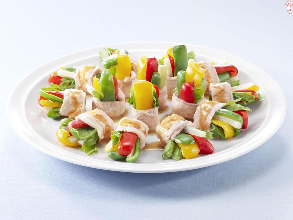 写真:レンジでかんたん!トリプルピーマンとセロリの豚肉巻きサラダ