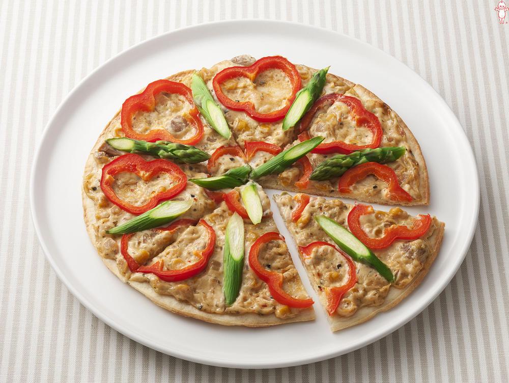 写真:アスパラとパプリカのてりやきピザ