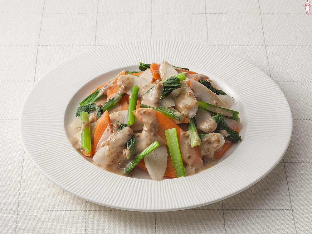 写真:ごぼうとにんじんと小松菜のごま風味サラダ